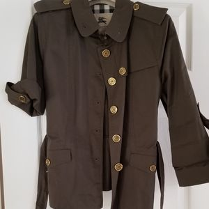 Burberry! Pristine Safari style short trench!